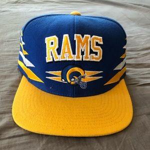 Rams SnapBack Mitchell & Ness